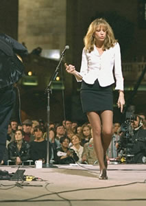 Singer Carly Simon gives a performance at New York's Grand Central Terminal.